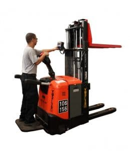 weighing stacker pallet truck with user